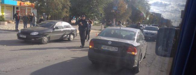 В Запорожье произошло ДТП около Шевченковской райадминистрации – ФОТО