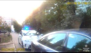 Пьяный запорожец рассекал на авто около детской площадки - ФОТО