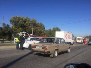 В Запорожье легковушка столкнулась с грузовиком
