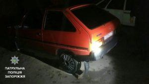В Запорожье задержали мужчину, который ночью снимал колеса с чужих машин - ФОТО