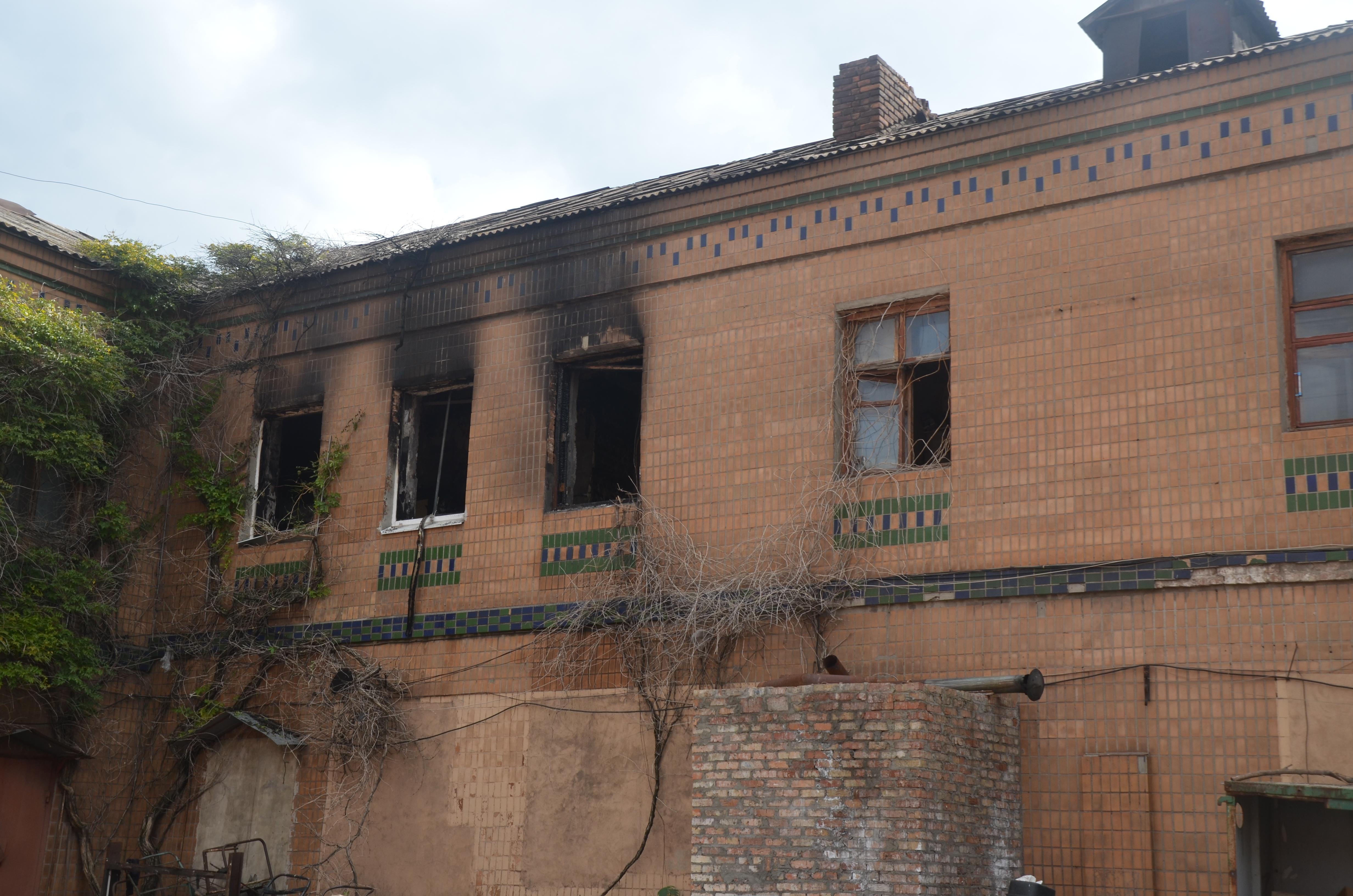Спасатели опубликовали видео с места пожара в хостеле в Запорожье - ВИДЕО