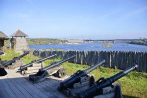 В Запорожье на Хортице прогремел пушечный залп в память о Герое Украины - ФОТО