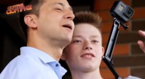 В Запорожье 14-летний мальчик, который спас жизнь школьнику, получил подарок от Владимира Зеленского – ВИДЕО