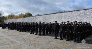 В Запорожье 128 полицейских торжественно приняли присягу на Хортице - ФОТО