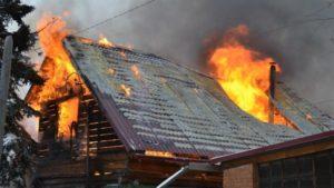 В Запорожье короткое замыкание электропроводки привело к пожару в жилом доме