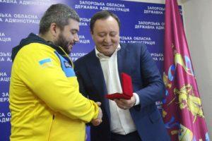 Константин Брыль наградил ветерана АТО за достойный результат на