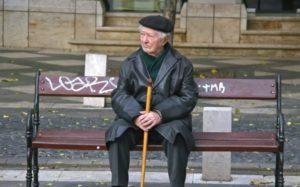 В Запорожье соседи в пылу ссоры сломали ногу пенсионеру