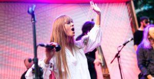 В Запорожье приедет Катя Chilly, чтобы спеть на конкурсе красоты для детишек из интернатов