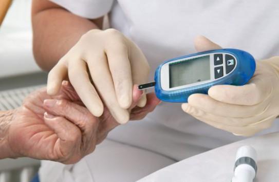 Запорожцам предлагают бесплатно проверить кровь на сахар
