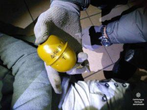 В Запорожье мужчина с гранатой грозился взорвать кафе - ФОТО
