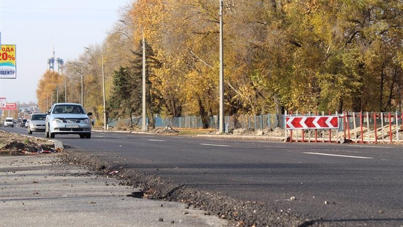 В Запорожье открыли движение по обновленной дороге Набережной