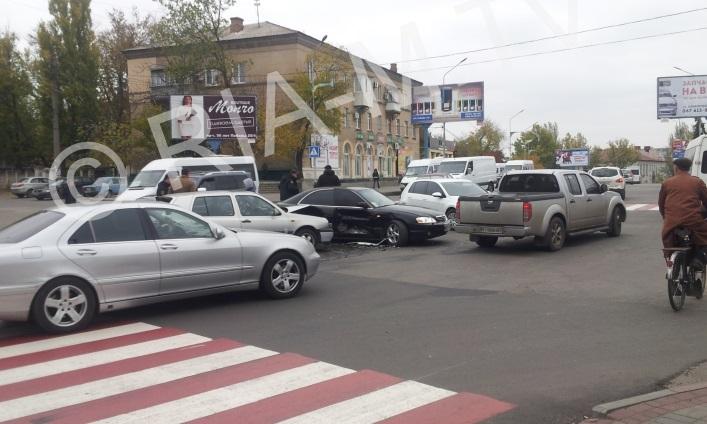 В Запорожской области на перекрестке столкнулись две иномарки - ФОТО