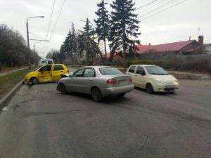 В Запорожье произошло очередное ДТП: две легковушки всмятку - ФОТО