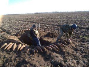 В Запорожской области обнаружили арсенал артснарядов - ФОТО