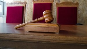 Запорожские юристы фискальной службы выиграли выиграли судебных дел на 220 миллионов гривен