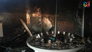 Появилось видео с места сильного пожара в торговом центре Запорожской области: не исключают поджог - ФОТО, ВИДЕО