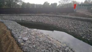 В Запорожье на «Радуге» подрядчики закончили работы над озером в новом парке - ФОТО