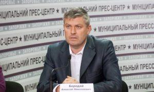 Заместитель мэра приобрел седан бизнес-класса за полмиллиона гривен у помощника депутата горсовета