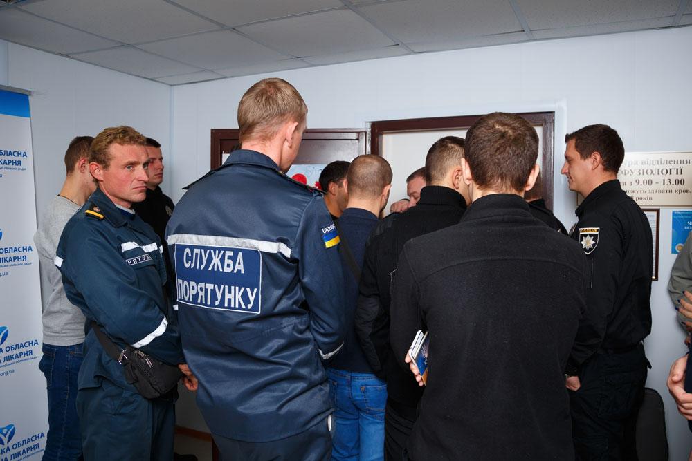 foto-1_donorskiy-marafon-zaporozhskoy-oblastnoy-bolnitsyi-tolko-startoval-a-uzhe-bet-rekordyi-po-sboru-krovi