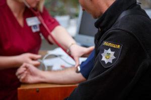 Правоохранители, медики и чиновники призывают горожан спасти жизнь на донорском марафоне – ВИДЕО