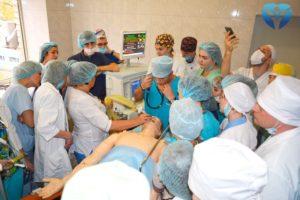 Уникальный мастер-класс в Запорожской областной больнице: как роботы помогают медикам оттачивать мастерство проведения анестезии