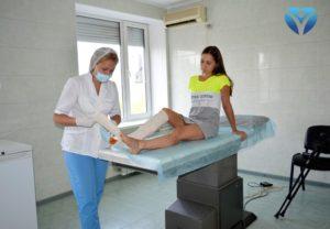 В Запорожье врачи клиники ортопедии и спортивной травмы успешно прооперировали молодую девушку