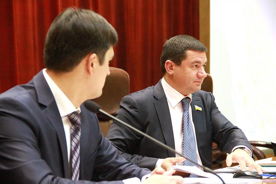 Вертолеты, ЗОИППО, экофонд: что будут рассматривать депутаты облсовета на очередной сессии, созванной Самардаком