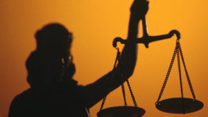 В Запорожье суд рассмотрел дело о продаже скотча во время локдауна