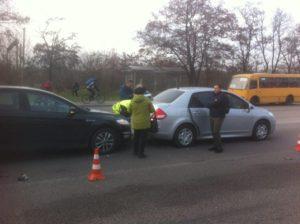 В Запорожье на Хортице произошло тройное ДТП – ФОТО