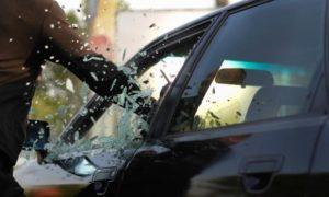 В Запорожье злоумышленники похитили из автомобиля предпринимателей полмиллиона гривен