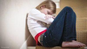 В Запорожье школьница серьезно травмировала позвоночник: дело передали в полицию