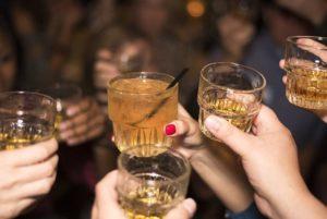 В Запорожской области 13-летнего ребенка доставили в больницу в алкогольной коме