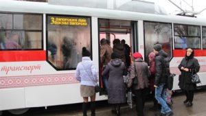 Сегодня на линию вышел третий трамвай, собранный в Запорожье - ФОТО