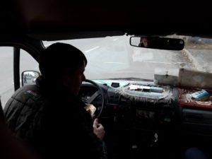 В Запорожье маршрутчик накинулся с кулаками на пассажирку, которая вступилась за льготника – ФОТО