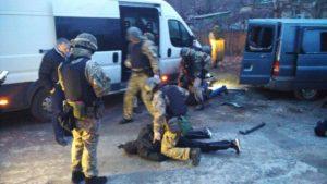 Банда из ДНР под видом полицейских занималась грабежами и разбоем: их задержали в Запорожье - ФОТО
