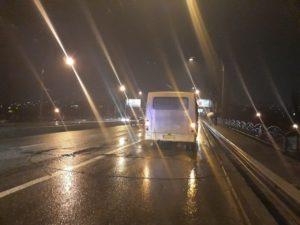 В Запорожье упавшая контактная сеть троллейбуса повредила две маршрутки - ФОТО