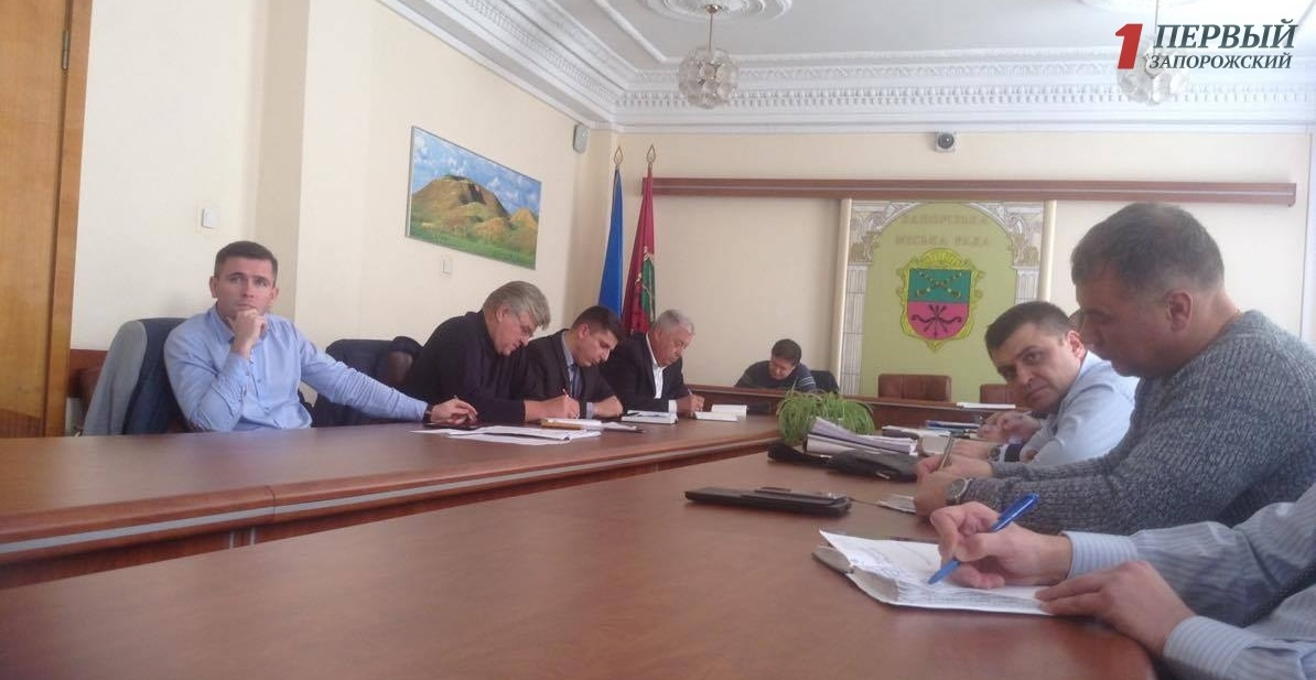 В Запорожье депутаты хотят потратить 120 миллионов гривен на уборку придомовой территории