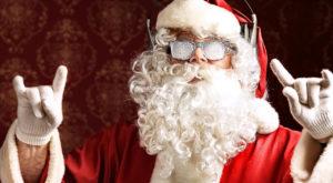 В Запорожской области полуголый Дед Мороз разъезжал по городу на санках - ФОТО