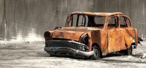 В Запорожье остановили микроавтобус, который вез на металлолом целый автомобиль - ФОТО