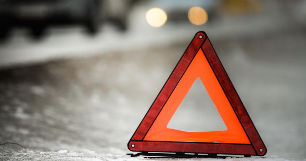 В Запорожье на дамбе из-за ДТП образовалась пробка - ФОТО