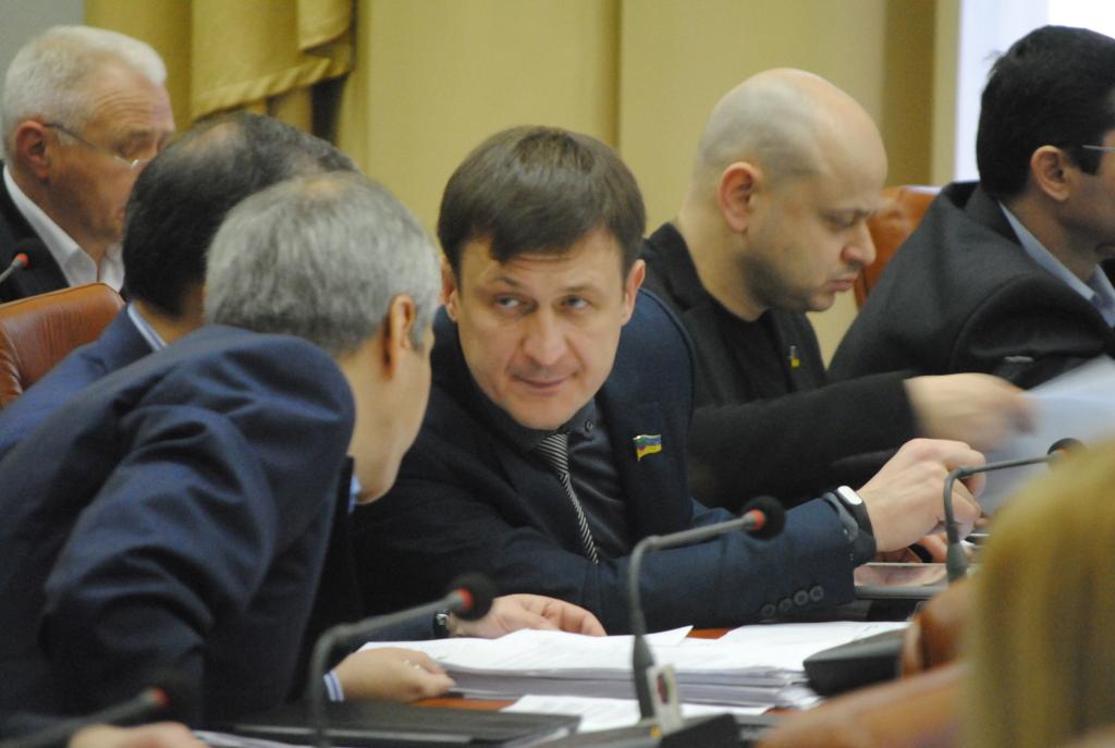 Адвокат Анатолия Пустоварова сообщил, что информация об укрытии от следствия заммэра не соответствует действительности - ВИДЕО