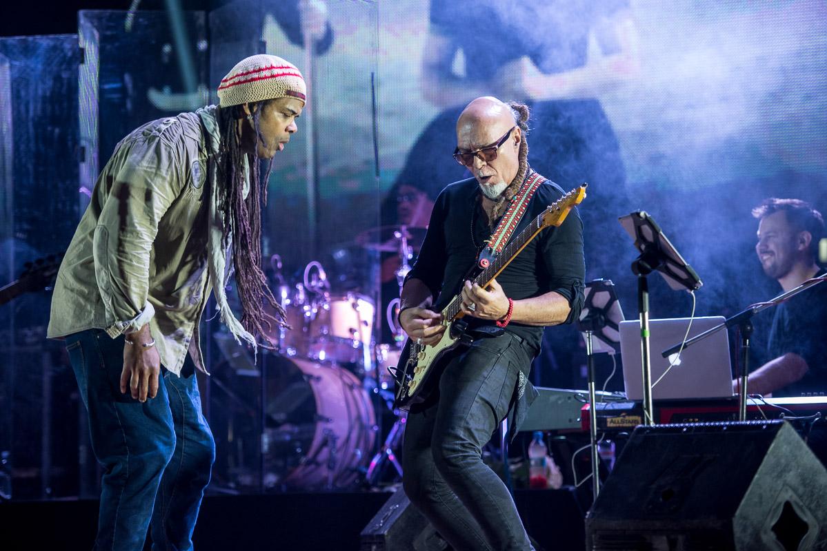 Концерта небудет: вЗапорожье сорвали выступление известной группы