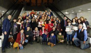 Запорожские волонтеры получили награды за помощь воинам АТО - ФОТО