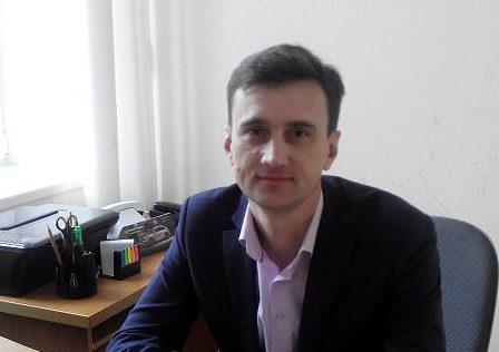 Заместитель главы Запорожской РГА задекларировал семь автомобилей, два земельных участка и треть миллиона гривен налички