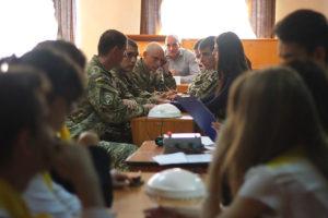 Мэр Запорожья распорядился проводить в школах викторины и брейн-ринги, посвященные истории Вооруженных Сил Украины