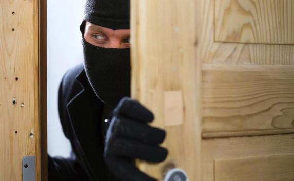 Запорожцев предупреждают о непривередливом серийном воре, который выносит все добро из многоэтажек – ФОТО