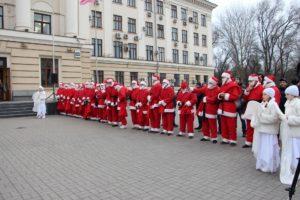В Запорожье 70 Дедов Морозов поздравят детей с ограниченными возможностями - ФОТО