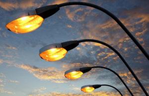 В Запорожье в местах концентрации ДТП устанавливают дополнительное освещение - ФОТО