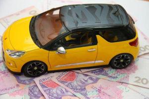 Запорожские владельцы элитных машин заплатили 8 миллионов гривен налога