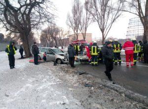 В Запорожье лоб в лоб столкнулись два легковых авто: четверо пострадавших - ФОТО